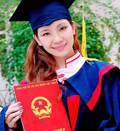 Áo tốt nghiệp cử nhân T04